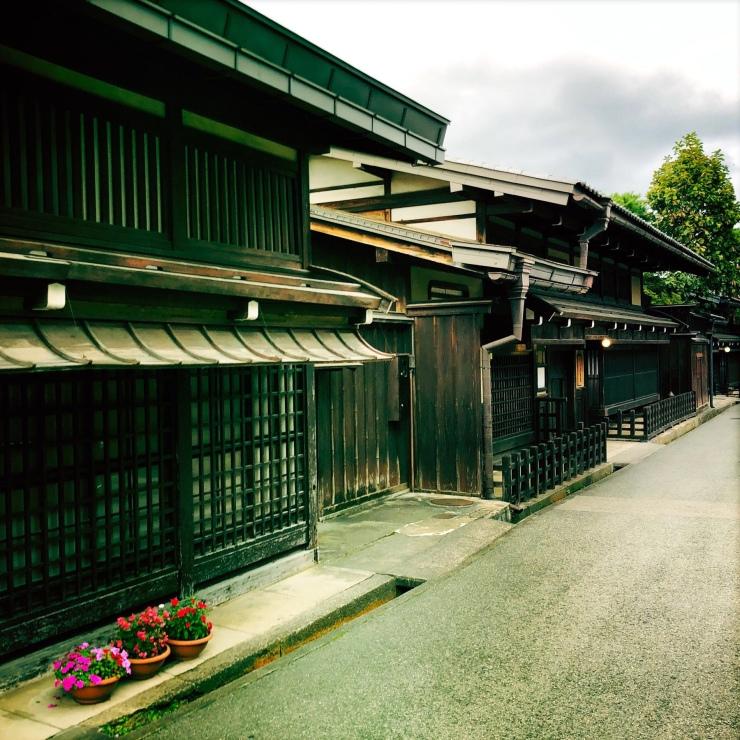 Rue de takayama-shi. Maisons traditionnelles japonaises.