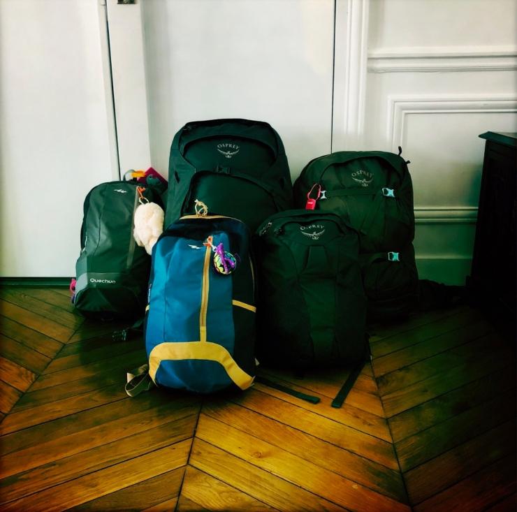 Les sacs de notre tour du monde.