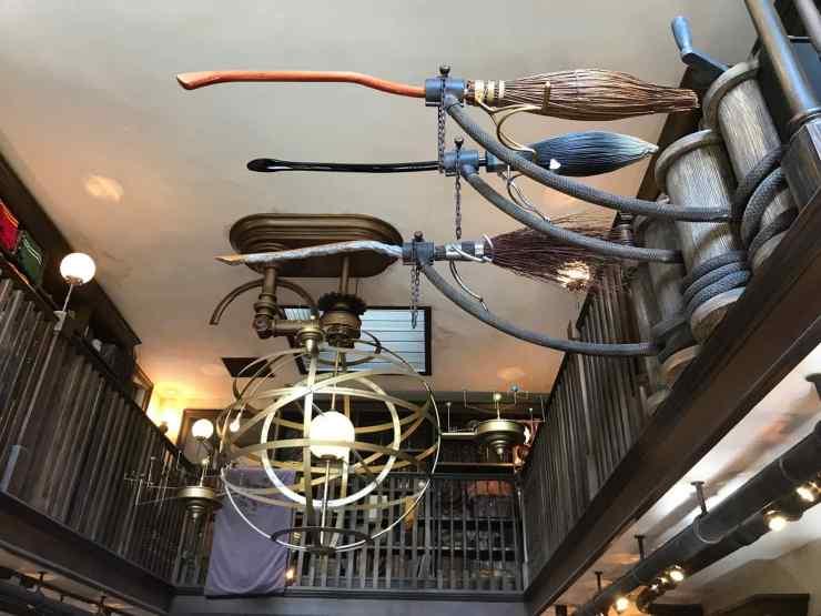 Les balais volants sont bien attachés - Harry Potter - Universal Studio Japan