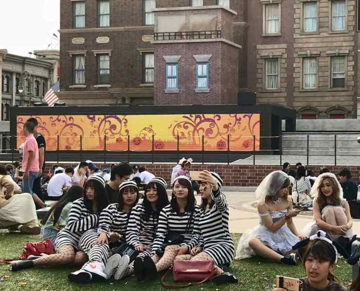 Jeunes filles déguisées - Universal Studio Japan