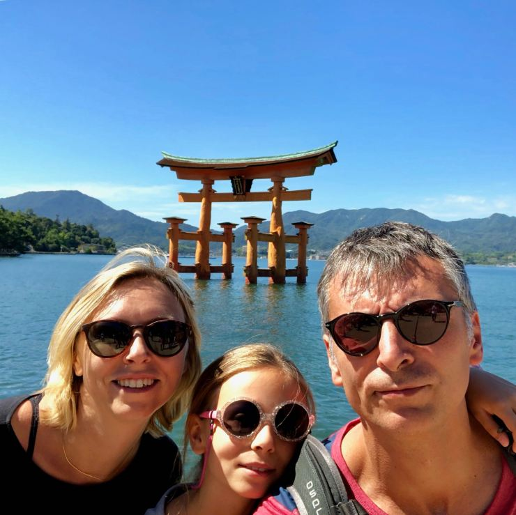 Selfie devant le Grand Torii de Miyajima