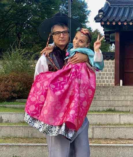 Père et fille en Hambok. Geo assume pas le chapeau...