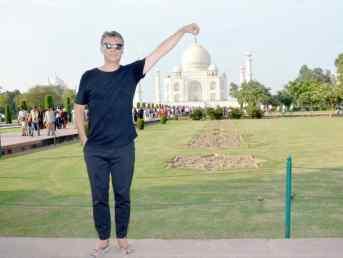 Geoffrey devant le Taj Mahal - Photo Kitch - Agra - Inde