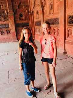 Eden et sa copine Colombe - Agra - Inde