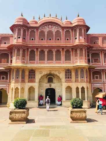 Dans l'une des cours du City Palace - Jaipur - Rajasthan