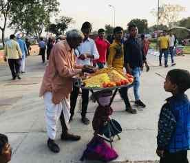 """Vendeur de """"céréales / chips """" - Palais sur l'eau - Jaipur - Rajasthan"""