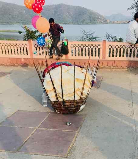 Panier à pain pour petite faim - Palais sur l'eau - Jaipur - Rajasthan