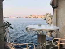 L'heure de l'apéritif.. Jag Mandir sur le Lac Pichola - Udaipur - Rajasthan - Inde