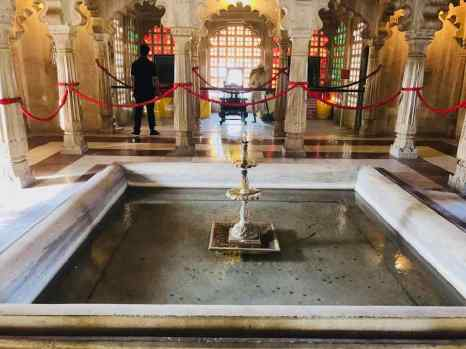 Fontaine intérieure - City Palace - Udaipur - Rajasthan - Inde