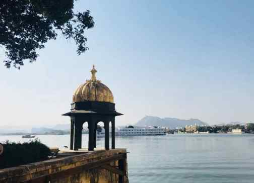 Vue sur le Lake Palace depuis le Jag Mandir - Udaipur - Rajasthan - Inde
