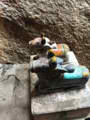 En haut les gardiens du temple - Narlai - Rajasthan- Inde