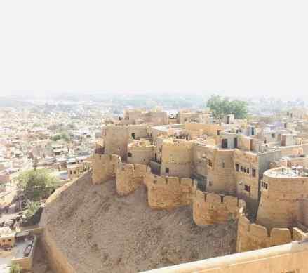 Tourelles encerclant le rocher de Jaisalmer -Rajasthan - Inde