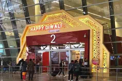 Happy Diwali ! Aéroport de Delhi- Inde