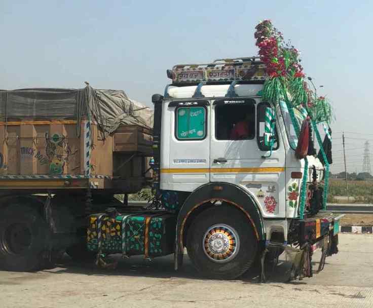 Gros Camion indien décoré - Inde