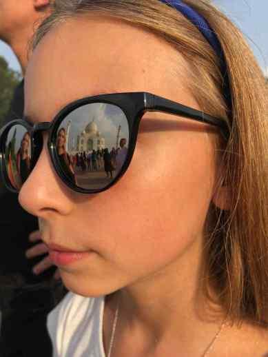 Reflet du Taj Mahal dans les lunettes d'Eden - Agra - Inde