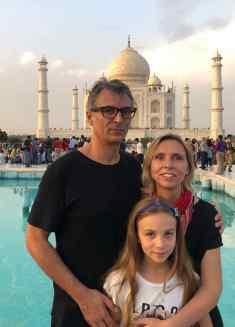 Pause obligatoire en famille devant le Taj Mahal - Agra - Inde