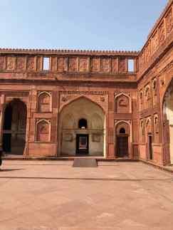 Une des cours du Fort Rouge - Agra - Inde