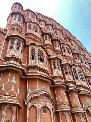 En bas du Palais des vents - Jaipur - Rajasthan