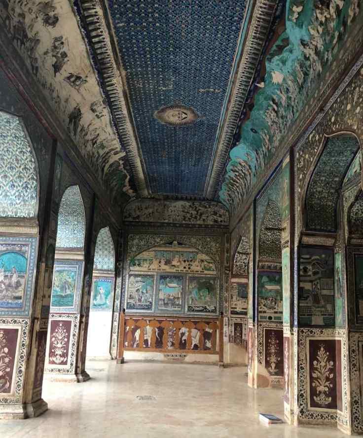 Passage entièrement peint - Palais de Bundi - Rajasthan - Inde