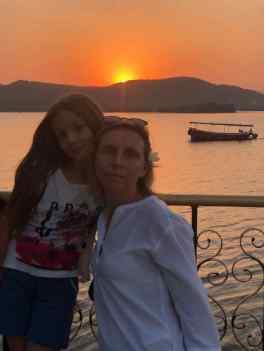 Mère et fille - Jag Mandir - Udaipur - Rajasthan - Inde