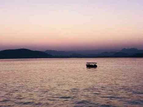 Coucher de soleil sur le lac Pichola - Udaipur - Rajasthan - Inde