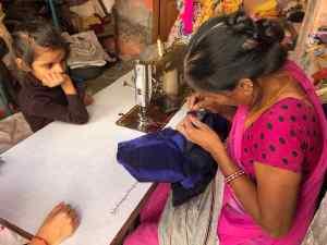 Couturière en action - Narlai - Rajasthan - Inde