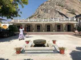 Cours d'accueil de notre palais - Narlai - Rajasthan - Inde