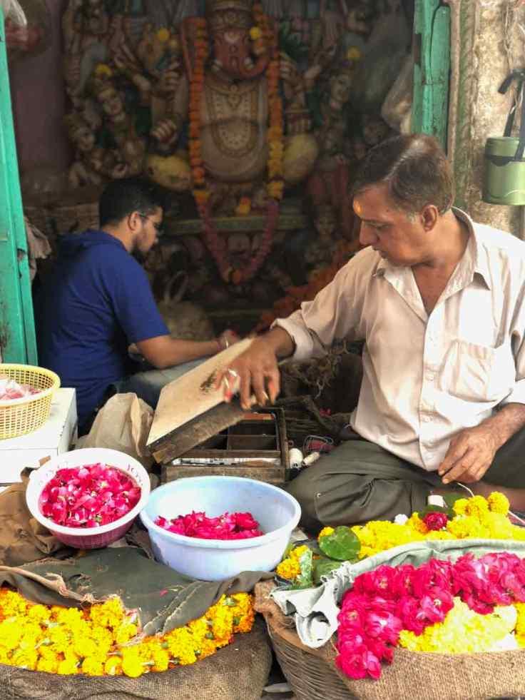 Vendeur de fleurs à offrandes - Jodhpur - Rajasthan - Inde