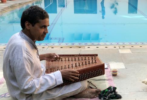 Musicien dans notre hôtel - Udaipur - Rajasthan - Inde