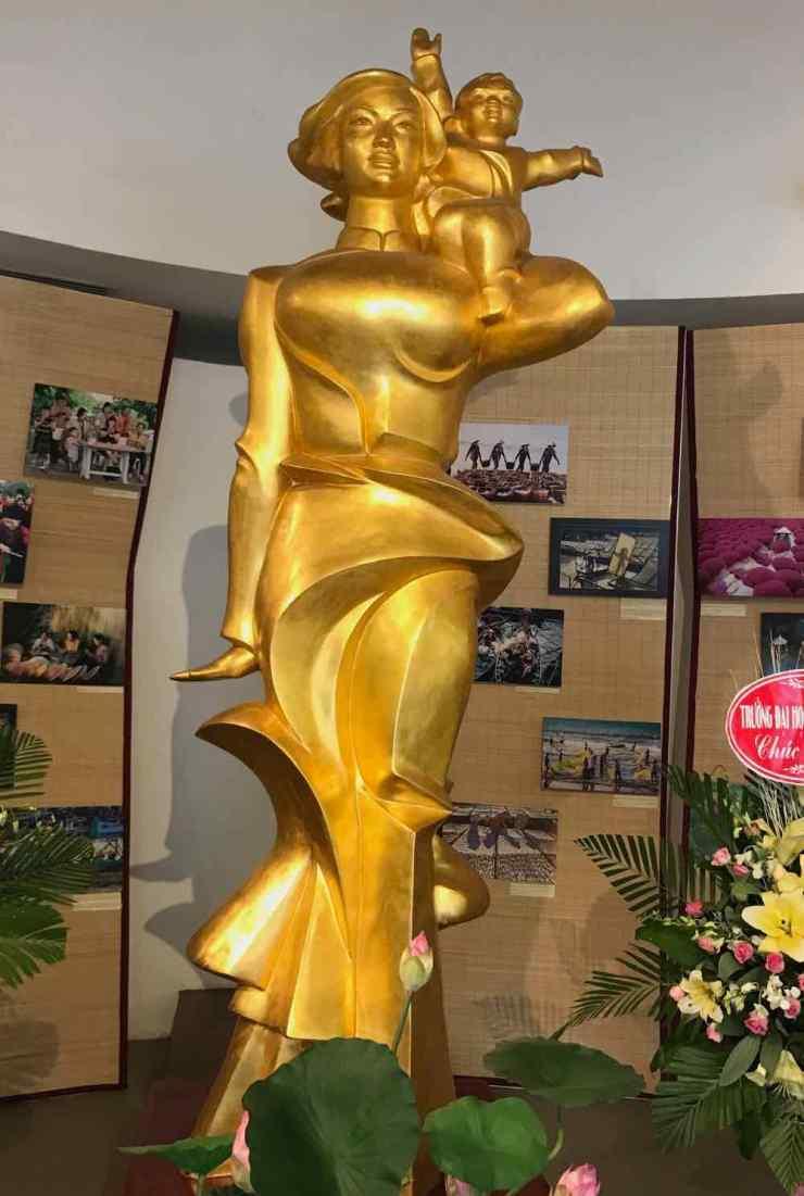 A l'entrée du Musée des femmes - Hanoi - Vietnam