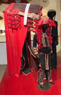 Tenue de Mariage traditionnelle - Musée des femmes - Hanoi - Vietnam