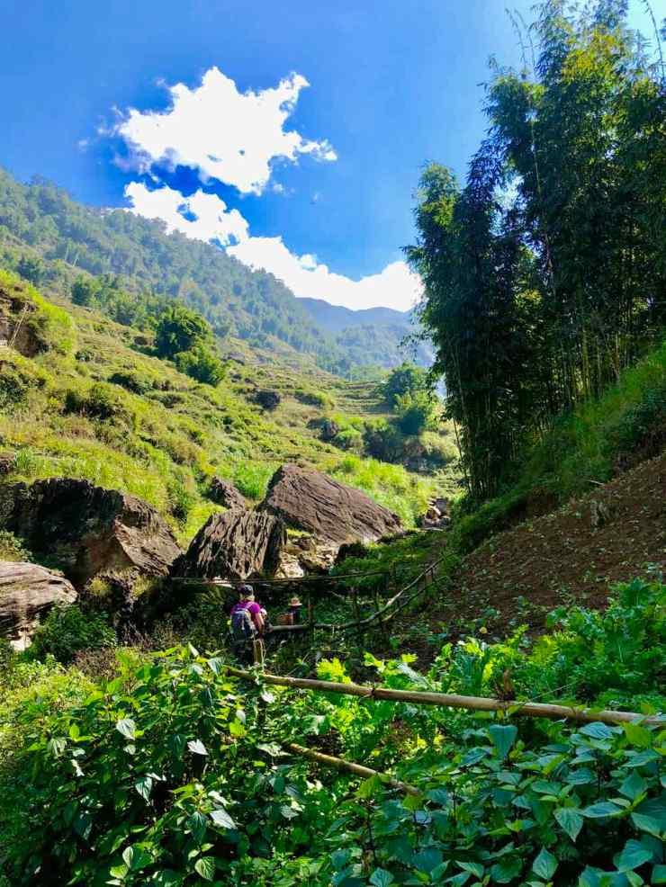 Traversée du pont en bambous - Région de Sapa - Vietnam