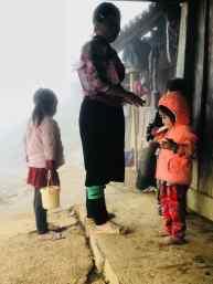 Préparation pour l'école chez Sing - Région de Sapa - Vietnam