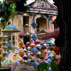 Chapeaux Vietnamiens dans la Cité Impériale - Hue - Vietnam