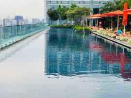 La piscine de l'hotel Jen - Singapour