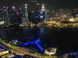 Vue sur la Marina by night depuis le Marina Bay Sand - Singapour