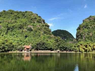 Temple - Trang An - Baie d'Halong Terrestre - Vietnam