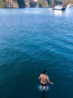 Geoffrey marche sur l'eau ! - Baie d'Halong - Vietnam