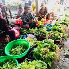 Herbes fraiches sur le marché de Hoi An - Vietnam