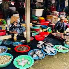 Poissons frais - Marché de Hoi An - Vietnam