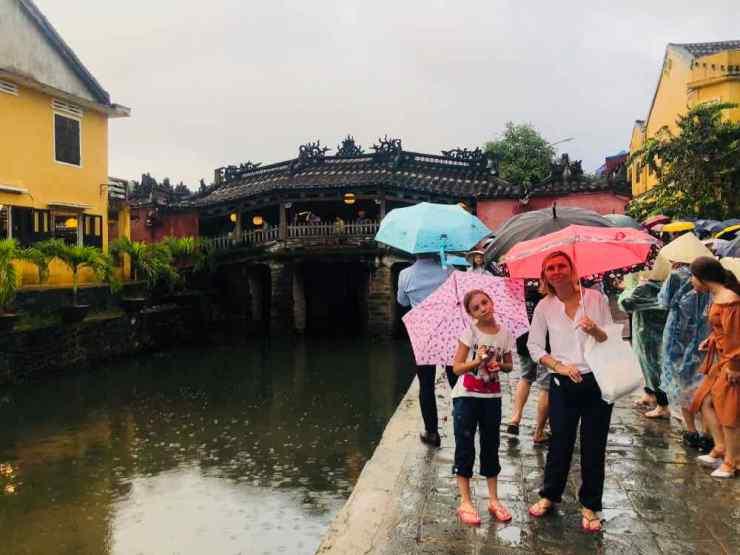 Devant le pont Japonais - Hoi An - Vietnam