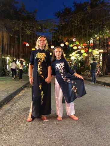 Dans nos belles tenues traditionnelles - Hoi An - Vietnam