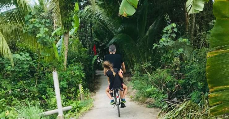A bicyclette - Mekong - Region de Can Tho - Vietnam