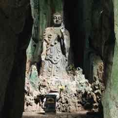Bouddha dans la grotte - Montagne de marbre - Da Nang - Vietnam