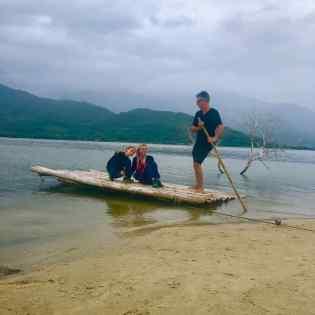 Allez, on part en radeau - Lagune - Région de Da Nang - Vietnam
