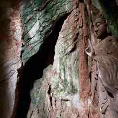 Bouddha sculpté à même la roche - dans une grotte de la montagne de marbre - Da Nang - Vietnam