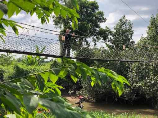 Pont de singe pour rejoindre notre bungalow - Mekong - Can Tho - Vietnam