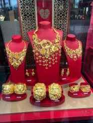 Clinquant des bijoux en or chinois - Hong Kong