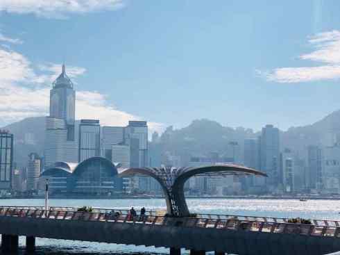 L'avenue des Stars et sa vue sur les gratte-ciels de l'Ile de Hong-Kong