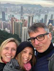 Instant Selfie ! - La baie de Kong Kong vue depuis le Peak - Magique ! (mais froid !)